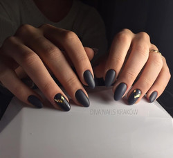 24 Classy Nail Designs You Need to Copy Immediately